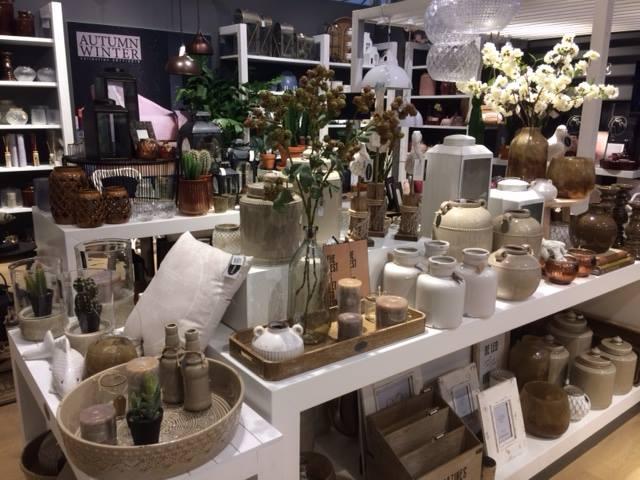 Woonaccessoires van het merk Riverdale kopen nabij Leiden